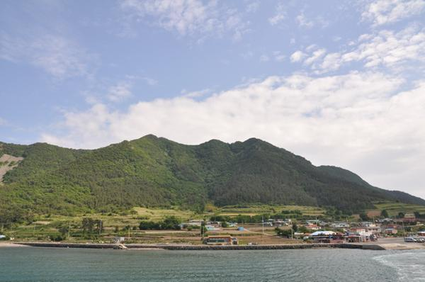 Mt. Chirhyeonsan on Saryangdo Island